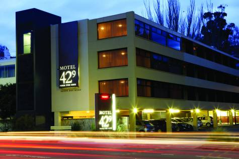Motel 429 sandy bay road need it now for Motel exterior design
